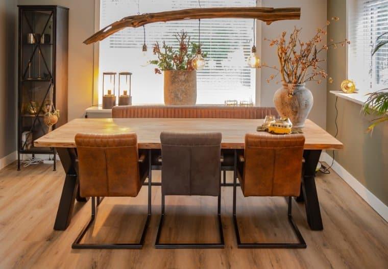 Verrassend Live Edge tafel + 3 Belgie stoelen + 1 Belgie bank koop je bij HUUS.nl NB-13