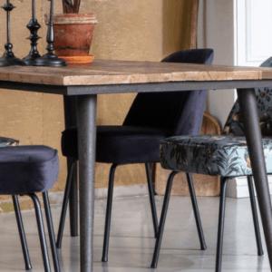 De tafel van het merk BePureHome